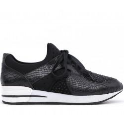 Чорні  демісезонні кросівки