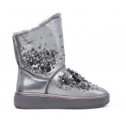Серебряные кожаные угги