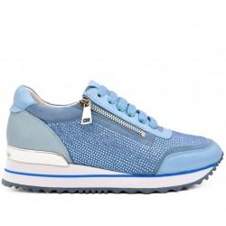 Голубые кожаные демисезонные кроссовки