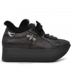 Чорні шкіряні демісезонні кросівки