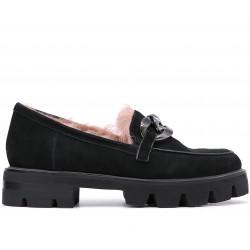 Замшевые зимние туфли