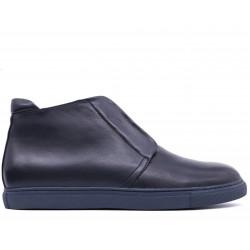 Синие кожаные демисезонные ботинки