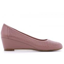 Розовые кожаные летние туфли