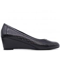 Черные кожаные летние туфли