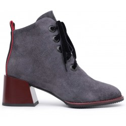 Серые замшевые зимние ботинки