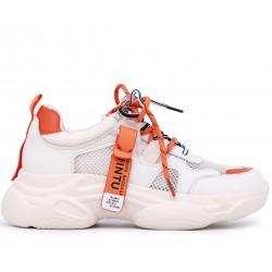 Білі  літні кросівки