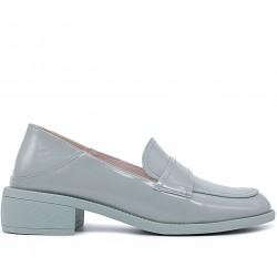 Зеленые лаковые демисезонные туфли