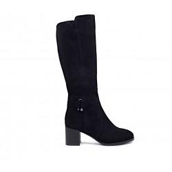 Чорні замшеві зимові чоботи