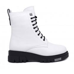 Белые кожаные зимние ботинки