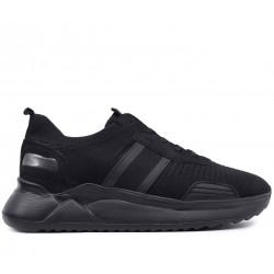 Чорні нубукові літні кросівки
