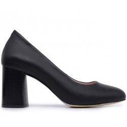 Черные кожаные демисезонные туфли