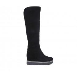 Черные замшевые зимние ботфорты