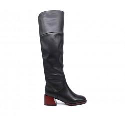 Черные кожаные зимние ботфорты