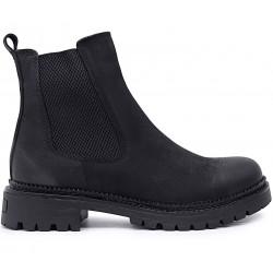 Черные нубуковые демисезонные ботинки