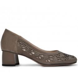 Бежевые замшевые летние туфли